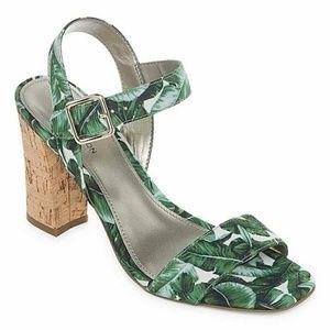 Worthington Baldwin Green Spring Leaf Sandals